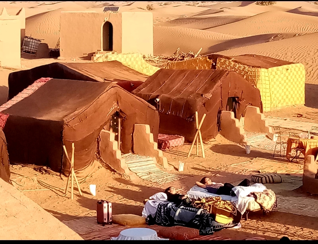 réveil dans le désert au bivouac