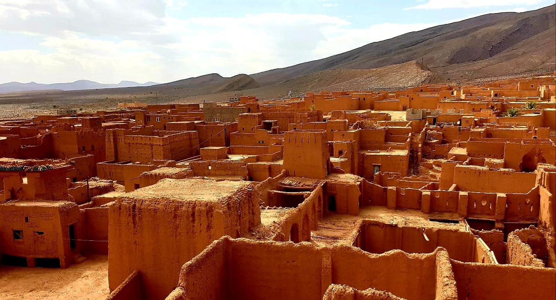 Ancien village avec des Kasbah au Maroc