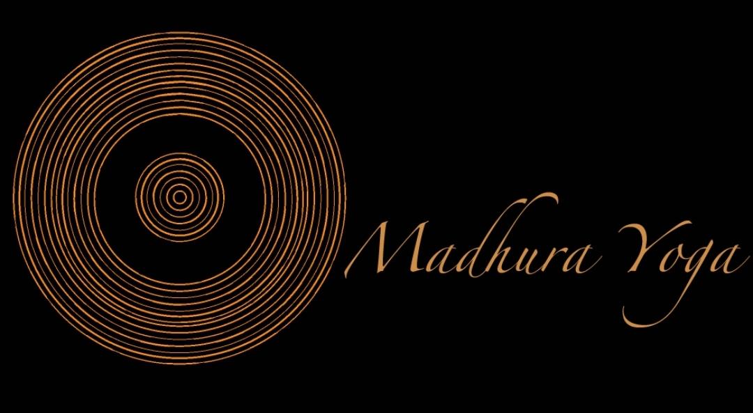 Logo de Madhura Yoga, partenaires de CtrekFusion